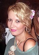 Άννα Παπαγιώργη, απόφοιτος της σχολής κομμωτικής Γιαννέρη στην Θεσσαλονίκη και ιδιοκτήτρια κομμωτηρίου.